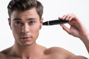 Ohrenhaare entfernen? Hier Lösungen für Haare in und an
